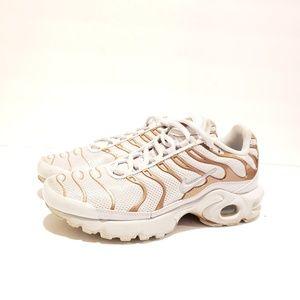 Nike 718071-001 size 7y eur 38